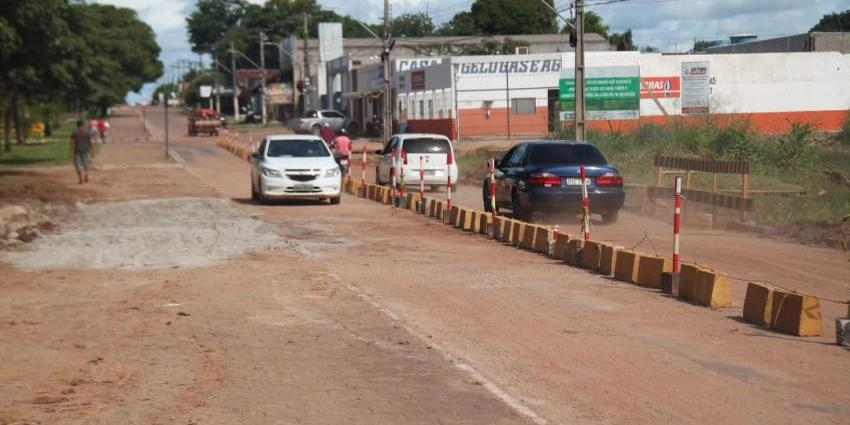 Prefeitura restabelece tráfego na Avenida Brasil