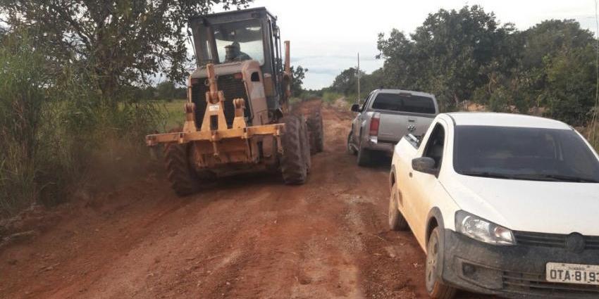 Parceria entre prefeitura e comunidade realiza obras na zona rural