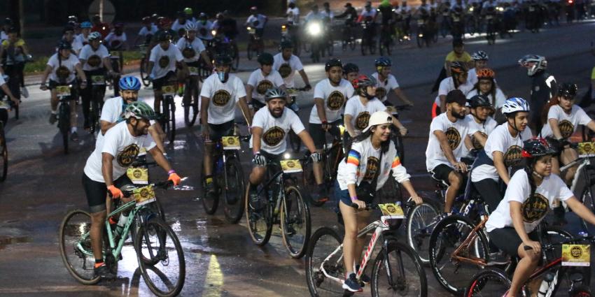 Prefeitura promove o 2º Pedal Todos Pela Vida, e centenas de pessoas pedalam em dia chuvoso