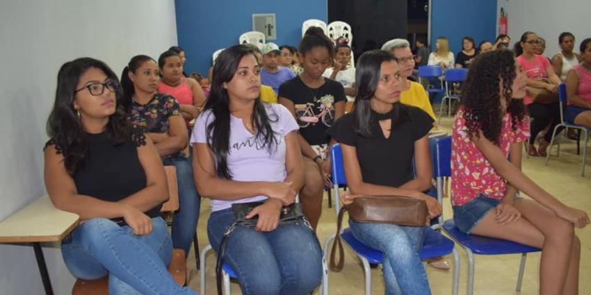 Secretaria de Educação, Cultura e Lazer se reúne com artesãos de Redenção