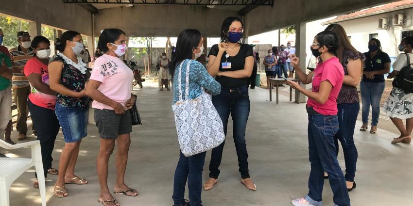 Secretaria de Assistência Social orienta pessoas para receber o auxílio emergencial