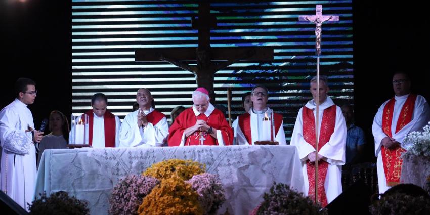 Festejo do Cristo Redentor reuniu milhares de fieis no Espaço Cultural