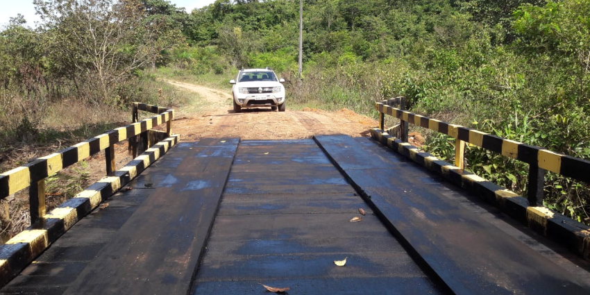 Prefeitura constrói ponte na colônia Arraiaporã I