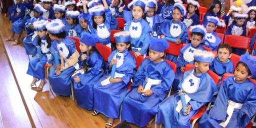 Alunos de creches participam de formatura