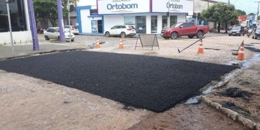 Secretaria de Obras continua com a operação tapa-buracos