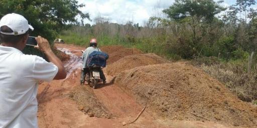 Parceria viabiliza construção de bueiros na Capetinga