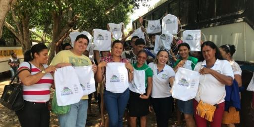 Assistidos pelo PTTS visitam escola Agrotécnica