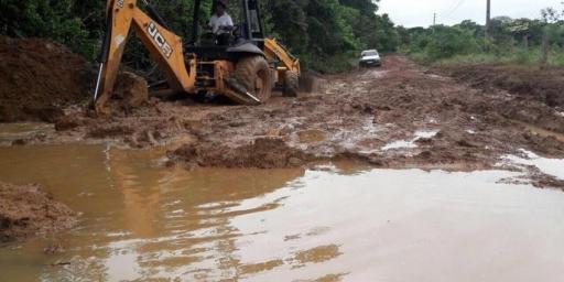 Zona rural recebe serviços para garantir transporte escolar