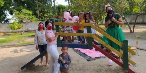 Escolas municipais comemoram o mês das crianças com festa