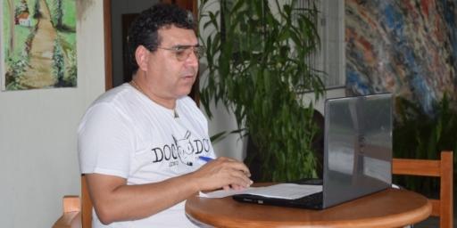 Secretaria de Educação realiza reuniões on-line com quase 500 servidores de escolas municipais