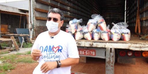 Secretaria de Educação continua com a distribuição de cestas básicas