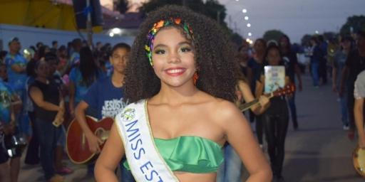 Escolas Municipais realizam desfile animado no Setor Marechal Rondon