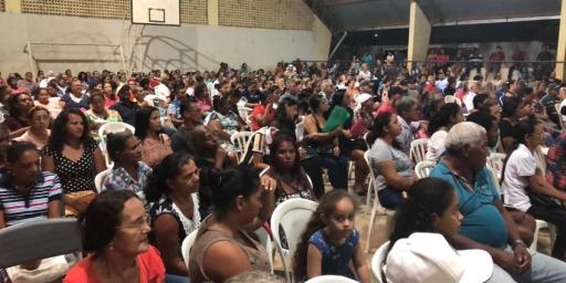 Moradores recebem títulos de lotes em Redenção