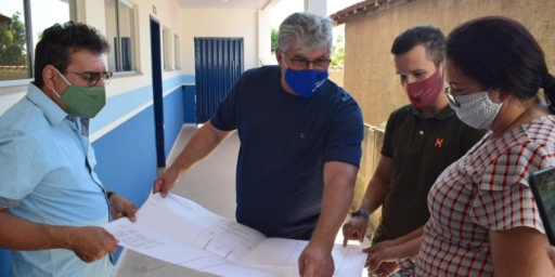 Escolas municipais que passam por obras são visitadas
