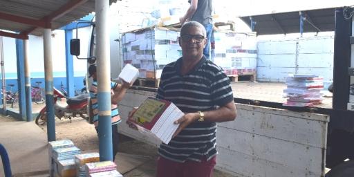 Redenção recebe livros didáticos para a Rede Municipal de Ensino