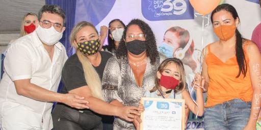 SEMEC entrega prêmios aos vencedores do Show de Talentos em Casa