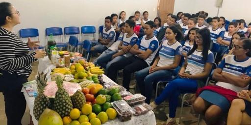 Alunos da Rede Municipal de Ensino participam de palestras sobre alimentação saudável