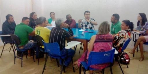 Secretário Municipal de Educação realiza reunião com agricultores da agricultura familiar de Redenção