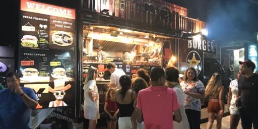 """IPPUR e PMR comemoram com o Food Truck na Estrada o """"esquenta"""" da economia em Redenção"""