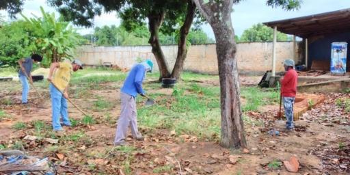 Escolas da rede municipal passam por limpeza e dedetização