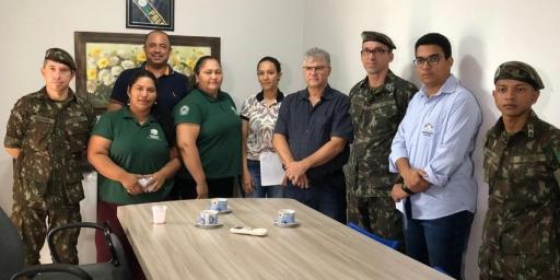 Prefeito recebe delegado do Serviço da Junta Militar