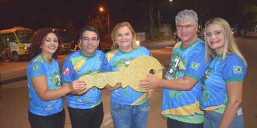 Desfile fecha a programação da Semana Cívica com chave de ouro