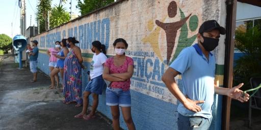 Prefeitura de Redenção inicia entrega de mais de 15 mil cestas básicas a alunos das escolas municipais
