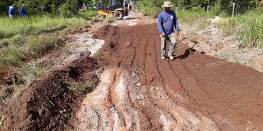 Prefeitura restabelece tráfego seguro na Inajá
