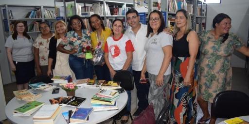 Fundação Cultural do Pará doa livros para a Biblioteca Pública de Redenção