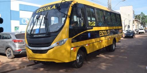 Redenção recebe ônibus escolar através de emenda do deputado federal Joaquim Passarinho