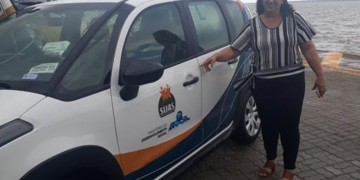 Secretaria de Assistência Social recebe novo veículo