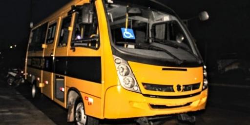 Redenção recebe micro-ônibus por meio de emenda parlamentar
