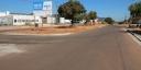 Tráfego de veículos e pedestres é humanizado com inúmeras ruas asfaltadas
